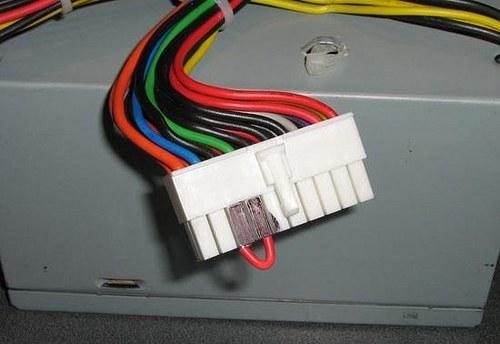 разъем блока питания компьютера